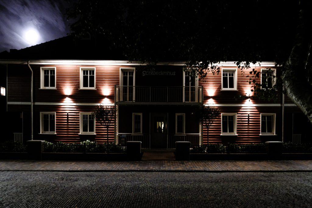 Nordsee 2018 / Tag 4 / Wangerooge bei Nacht / Schwedenhuus