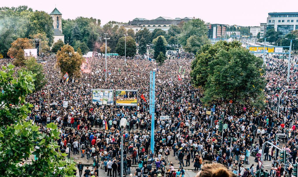#wirsindmehr Chemnitz / Foto: https://www.flickr.com/photos/de_havilland2/44406313382/
